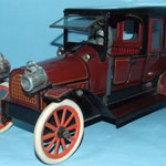 Lehmann, raro 1908 Karl limousine Bub. Di 14 centimetri di lunghezza, questo giocattolo è considerato dagli esperti come uno dei migliori modelli deluxe mai fatto con i dettagli compresi i pneumatici di gomma, finestre di vetro, una leva del freno ecc