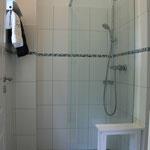 Dusche und Sauna im Erdgeschoss
