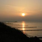 die Seebrücke von Ahrenshoop in der Abendsonne