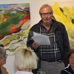 Laudator Gerd Schröder während der Vernissage