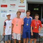 Sie boten bei den U 14 Tennis vom Feinsten!  Merlin Brönner (4. Platz, TSV Güntersleben), Eric Schmid (3. Platz, TSV Karlstadt), Jonas Michaeli (1. Platz SB Versbach) und Patrick Schwaben (2. Platz, TSV Viktoria Homburg)