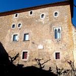 Castell Sant Mori, von einem der kleinen Fensterchen blickte der Pastor von Batipalmes auf den Canigó