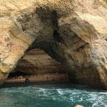Höhle von Außen