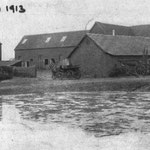 Another view of Billesley Farm. It stood near where Wold Walk is now.