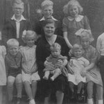 The Ruff family, 1959. All the children went to Dolphin Lane/Oaklands and Hartfield Crescent (thanks to Edna Ruff)