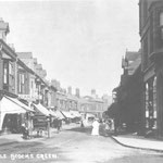 The Warwick Road at the Green, c. 1908. In the bank building on the right can be seen Pitts the greengrocers, who were there until c. 1959. The bricks used to wall up the frontage are a slightly different colour. The shops on the left lasted until 1973.