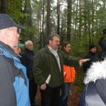 Auf der Exkursion konnte sich jeder überzeugen, dass der Stadtwald die Auszeichnung verdient.