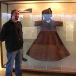 Eines der Grönlandkleider im original im Nationalmuseum Kopenhagen