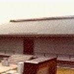 #大井納骨堂(福岡)  RC+S造平家[独立前担当] 当時の市の納骨堂としては全く新しいデザインのもので、ローコストにも貢献しました。現場監理を担当。