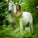 Jasna und ihre Iberer Stute