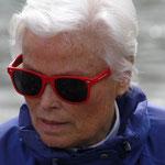 die rote Brille