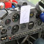 Cockpit einer Extra
