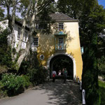 The Gate House - Built in 1954 it was the first Portmeirion cottage to be constructed after World War II. It is built over a large protrusion of rock and is a fine example of how Sir Clough built with the natural land instead of amending it unnecessary.