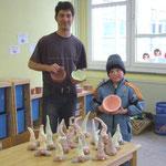 """Workshop """"Zwerg Nase und Schalen modelieren"""" in der Grundschule Ranis"""