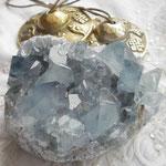 ティンシャ と セレスタイト(天青石)石はManaさんで。