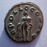 Revers: APOLLO CONSER, SUP, Apollon nu debt à g tenant une branche de laurier main drte et le manteau sur le bras gauche .