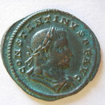 nummus ou follis, Avers : CONSTANTINUS PF AUG, buste lauré et cuir à drt, 4.69 g, TTB+