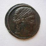 nummus, Avers: tête laurée à droite de Constantin, sans légende / émission de donativum