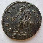 Revers : GENIO - POP ROM / PLN le Génie du peuple romain debt à g tenant une patère et une corne d'abondance, SUP