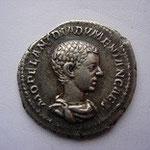 denier Rome, 3.33g, pour DIADUMENIEN, fils de Macrin, juil-sept 217, 2ème ém, 6 éme off,