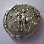 Revers: CAS-TOR, Castor (un des dioscures) debout à g tenant un cheval par la bride, TTB+ rare (RR)