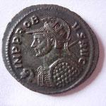 aurélianus, Rome, 4.52 g, 6e officine, 279 ? 281 ? Avers: IMP PROB-US AVG buste casqué radié avec lance sur ép drt bouclier clouté