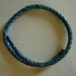 petit bracelet torsadé, belle patine (un bracelet identique se trouve au Musée de Nîmes)