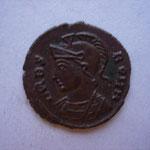 nummus, très rare avec l'avers de Rome et le revers de Constantinople, 1.47 g