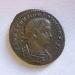 nummus, Rome 2e off, 3.02 g, Avers: CONSTANTINVS IVN NOB C