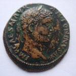 Pisidie Antioche, 33 mm, A: IMP CAES M AVR ANTONINVS défaut de flan à 8h qui se voit sur toutes les monnaies