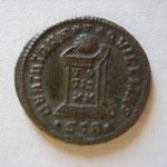 Revers: BEATA TRANQUILLITAS autel VO/TIS/XX / .STR. Trêves 6e ém 4e série 2e off 320-3 nov 324, TTB+