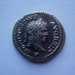 Denier,3.16 g, Avers: ANTONINUS PIUS AUG BRIT