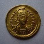 Solidus Constantinople 1 ére officine 3.96 g, A/ DN HONORI-US P F AUG buste de face