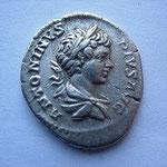 denier buste enfantin, Rome 201, 12 éme émission, 2 éme officine, 3.30 g, Avers: ANTONINUS PIUS AUG