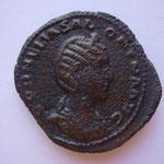 sesterce, Rome 256-257, 24.75 g, flan large et épais légérement granuleux, Avers: CORNELLA SALONINA AUG