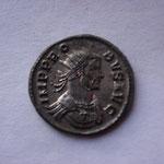 aurélianus, Rome 4.16 g, Avers: IMP PRO-BUS AUG buste cuirassé et radié à droite
