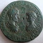 pentassaria de Marcianopolis, Avers: bustes affrontés de Diaduménien à gauche et Macrin à droite