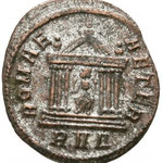 Revers: ROMAE AETER, R V Δ en exergue. TTB+; achat Savoca coins 6e blue auction, 2018, n°1295