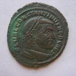 follis, Carthage 4e ém nov-déc 306, 8.20 g, flan granuleux, Avers: FL VAL CONSTANTINVS NOB CAES