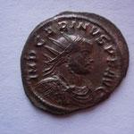 aurélianus, Ticinium 4e ém 3e off 3.39 g, Avers: IMP CARINUS P F AUG buste cuir radié à drt