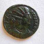 nummus de FAUSTA, ép de Constantin, fille de Maximien, Avers: FLAV MAX FAUSTA AUG, 3.16 g