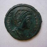 nummus, Trêves 1e off 327, 2.45 g, Avers: FL HELENA - AVGVSTA 1ére épouse de Constance Chlore et mère de Constantin I