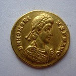 Solidus Constantinople 4.44 g, A/ DN HONORI-US P F AUG