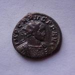 aurélianus, Ticinium 4e ém 1ére off 283, poids lourd 5.14 g, Avers: IMP CARUS P F AUG buste cuir radié à drt