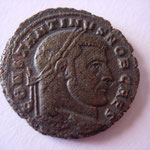 follis, Carthage, 307, 4e officine, Avers : CONSTANTINVS NOB CAES
