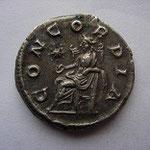 Revers: CONCORDIA étoile dans le champ évoquant l'arrivée de la pierre noire à Rome, SUP