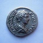 Denier, Rome 204, Avers: ANTONINUS PIUS AUG