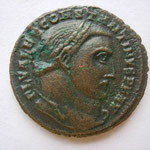 follis Avers : FL VAL CONSTANTINUS PF AUG