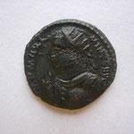 pseudo argenteus, Trêves 1ére off 313, 2.44 g, Avers: IMP MAXI-MINUS AUG buste drapé cuir à g main levée