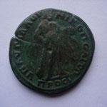 Revers: Hercule à droite appuyé sur une massue et peau du Lion de Némée ds la main g, belle petine verte, TTB